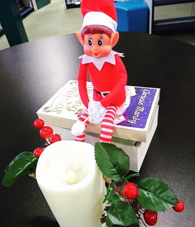 Smore festive fun from our little helper. #gylibrary #library #libraries #librariesofinstagram #librariesofig #guillealles #guernsey #channelislands #elf #elfontheshelf #elfonashelf #elfontheshelf2018 #elfonashelf2018 #elfontheshelfideas #christmas #christmascountdown #xmas #camping #smores #smore #marshmallow