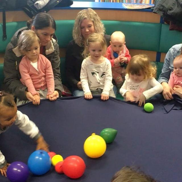 We had a super sensory session of TOTs this morning! We gave our fine motor skills a good workout with the PlayDoh and used the stretchy parachute to do some bouncing!