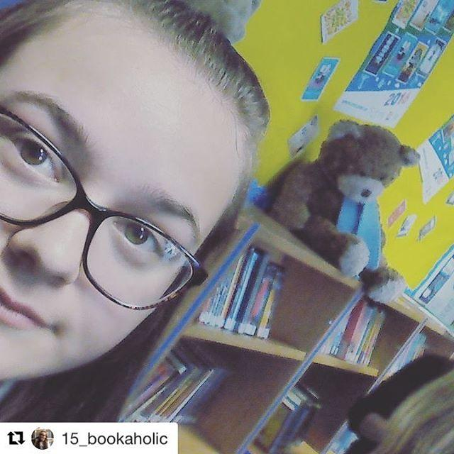 One of our happy shadowers at the Carnegie and Greenaway lunch yesterday! Glad you enjoyed it 15bookaholic  and were really pleased with the winners too! 15bookaholic with repostappAt the #carnegiebookaward2016 at gylibrary it was amazing and Im glad who won!!!! #ckg16